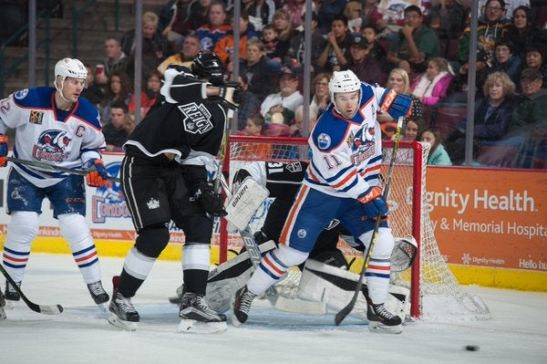 Bud Light Friday Returns as Reign and Condors Clash