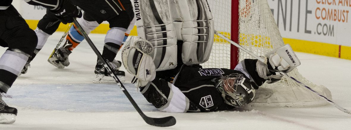 Reign Fall in Game 2, Series Tied 1-1