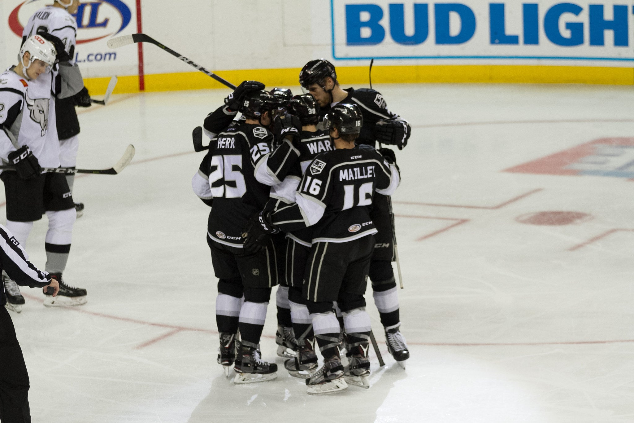 Reign Extend Winning Streak with 3-1 Decision over Rampage
