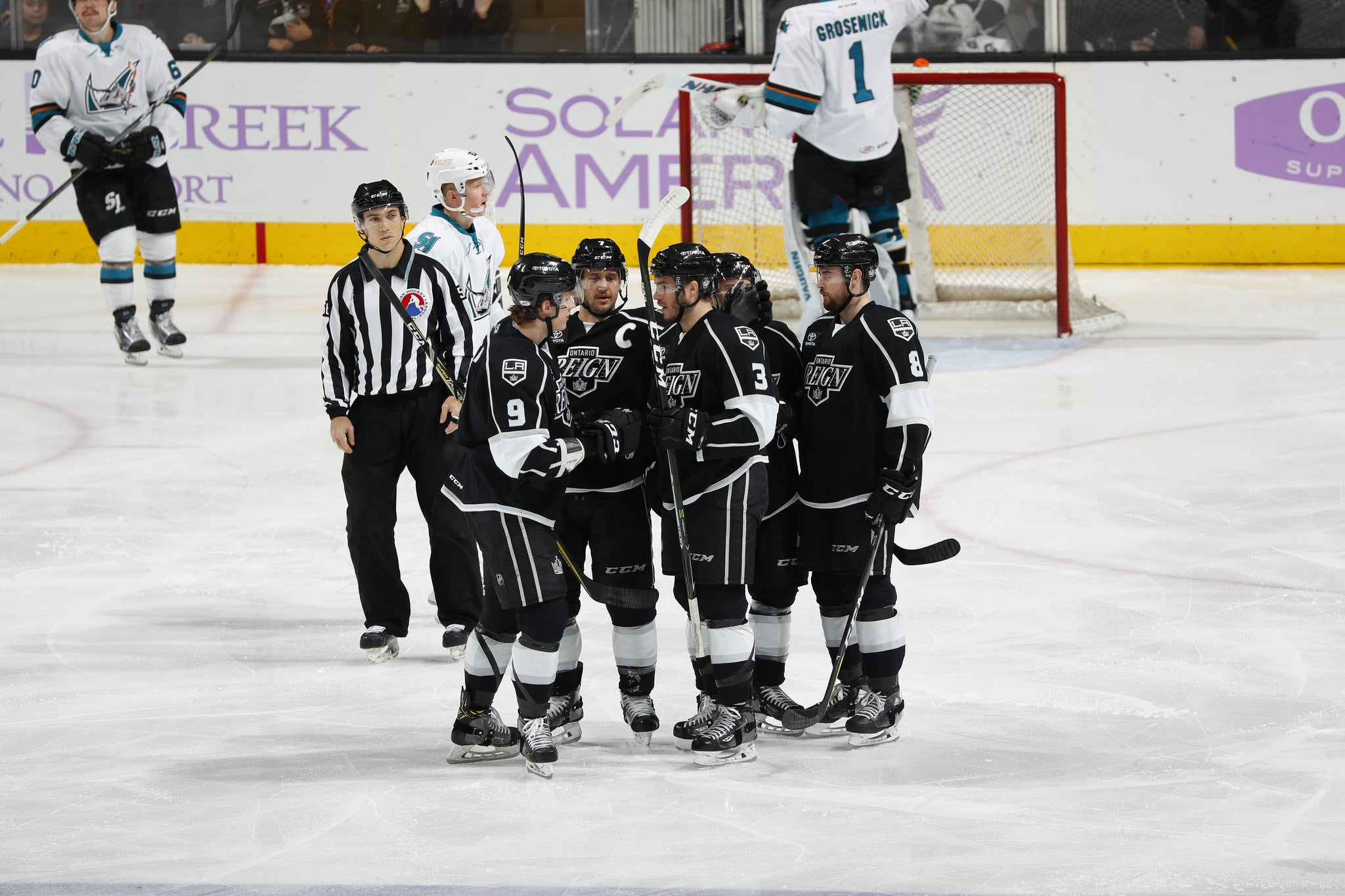 Reign Roll Past Barracuda with 4-1 Win to Close Weekend
